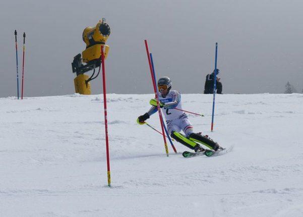 Äußerst knapp geschlagen geben (0,10 sec.) musste sich Dominik Stehle bei den Deutschen Meisterschaften im Slalom und wurde am Ende mit dem Vizemeistertitel belohnt.