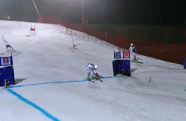 Georg Hegele vom SC Bergen (li.) konnte sich im letzten Rennen der German Team Trophy 2017 gegen seinen Konkurrenten Bastian Meisen vom SC Garmisch durchsetzten und sicherte so der Mannschaft Chiemgau 1 auch die Siegprämie von 3.500 Euro für den Skiverband Chiemgau.