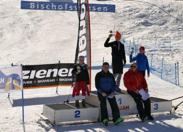 1. Platz Hannah Thalmeier, 2. Platz Marlena Aicher, 3. Platz Vivian Maurer