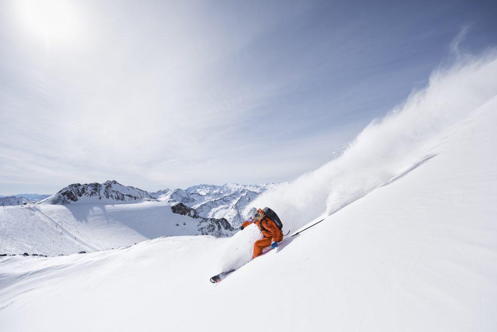 Die Alpen Plus Gletscher Card bietet Bergerlebnis ohne Limit vom 1. Oktober bis 31. Mai